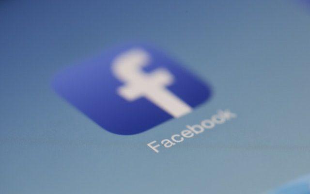 Защо всички рекламират във Facebook